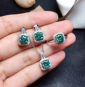 Moissanite-Suit Gemstone. 1-Carat Green VVS And Good-Color Fashionable-Style The-Latest