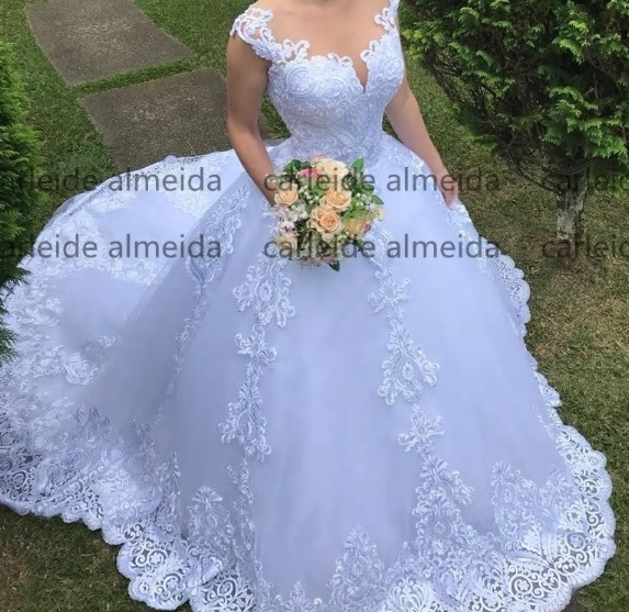 Free Shipping Vestido De Noiva High Quality New Cap Sleeves Lace Appliques Ball Gown Back Zipper And Buttons White Wedding Dress