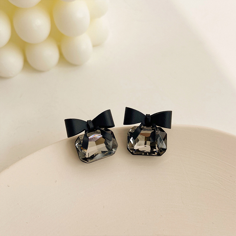 2020 Korean New Black Bow Earrings Fashionable Temperament Simple Versatile Earrings Elegant Ladies Jewelry
