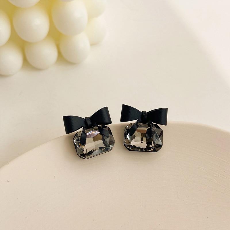 2020 Korean New Black Bow Earrings Fashionable Temperament Simple Versatile Earrings Elegant Ladies Jewelry