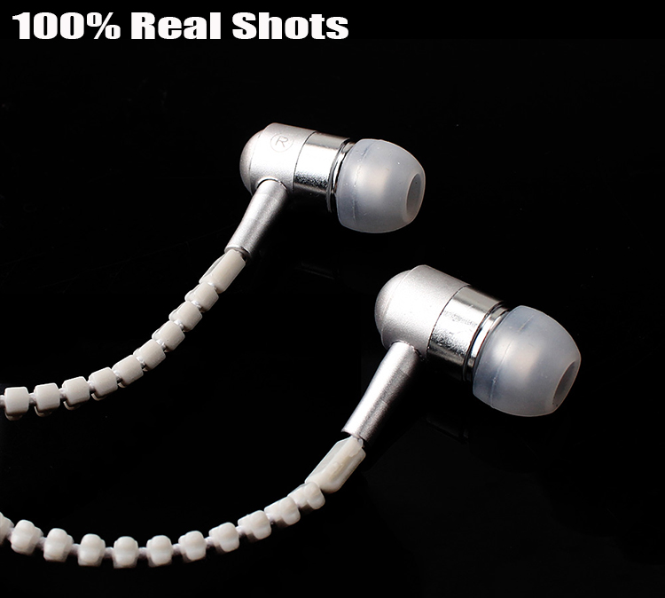 silver earphone