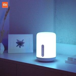 Image 2 - Xiaomi Lámpara de mesita de noche Mijia 2, lámpara inteligente con control por voz, Interruptor táctil, bombilla Led Mi home app para Apple Homekit, reloj Siri y xiaoai