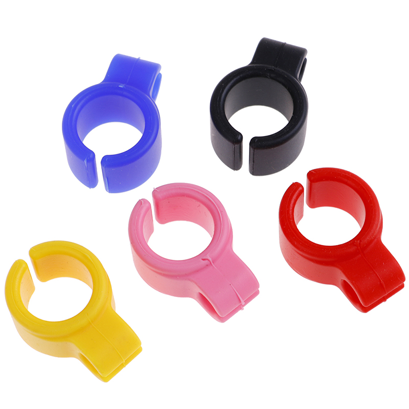 1pc Silicone Ring Finger Hand Rack Cigarette Holder For Regular Smoking Accessories Random Colors