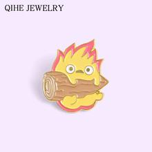 Płomień drewno ogień Demon Calcifer emalia Pin japońskie Anime znaczek przypinka klamra Cartoon broszka dla kobiet torba męska ubrania biżuteria prezent tanie tanio QIHE JEWELRY CN (pochodzenie) Ze stopu cynku Broszki Codziennie dostarcza XZ2661 Moda Unisex TRENDY Metal Brooches Enamel Pin Badge
