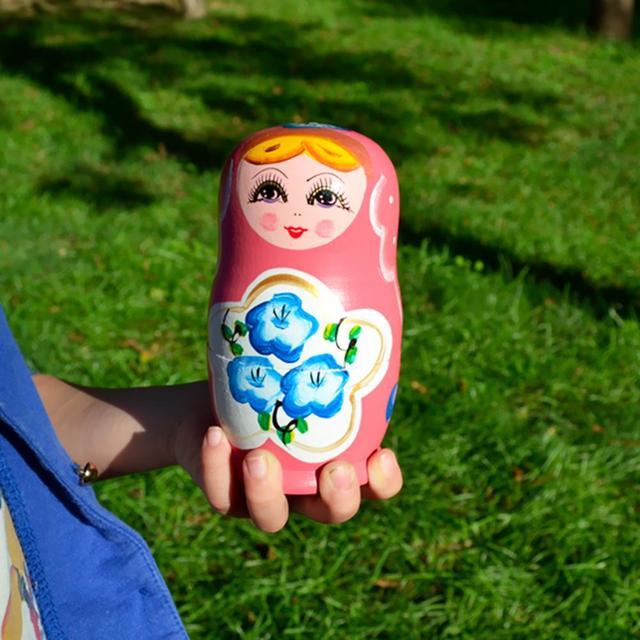 5pcs Wooden Novelty Russian Nesting Matryoshka Doll Set Hand Painted Decor Russian Nesting Dolls Baby Toy Girl Doll wholesale 3