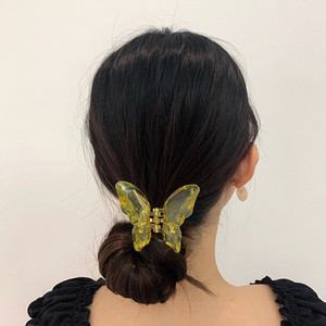 HUANZHI 2020 New Korea Adorable Colorful Transparent Butterfly Acrylic Resin Hair Clip Hair Accessories for Women Girls Jewelry(China)