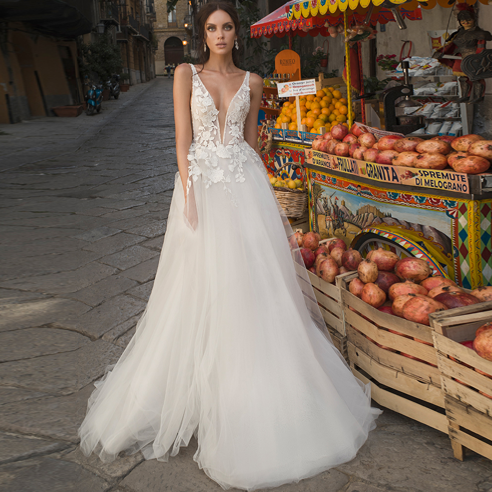 Sexy Plunging Neckline Boho Wedding Gowns Illusion Bodice A-line Tulle Bridal Dress Customized Robe De Mariee