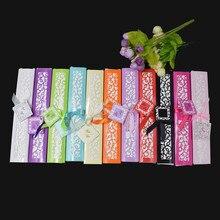 [Auviderin] 100 قطعة مروحة من الحرير هدية الزفاف مروحة Persoanlized الاسم والتاريخ في صندوق هدية طباعة مروحة اليد في شنطة هدايا الأورجانزا