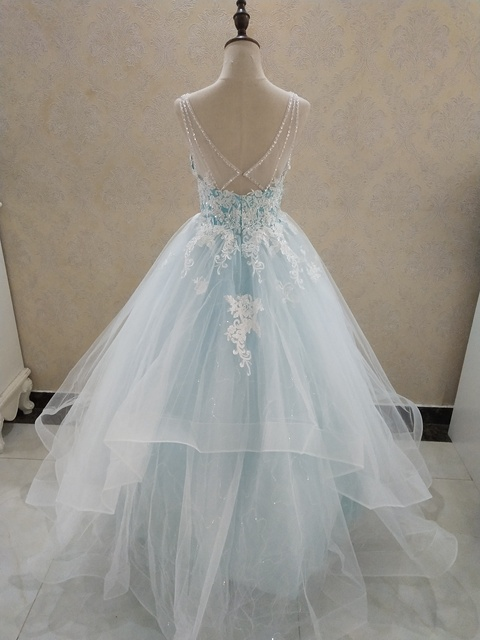 ZJ9204 Elegant A-Line V Neck Ruffles Tiered Boho Beach Champagne Wedding Dresses Deep Lace Appliques Gowns Custom 5