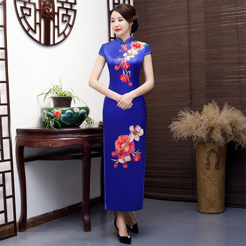 2019 New Style Large Size Cheongsam Elegant Catwalks Long Cheongsam Stage Performance Ceremonial Clothes