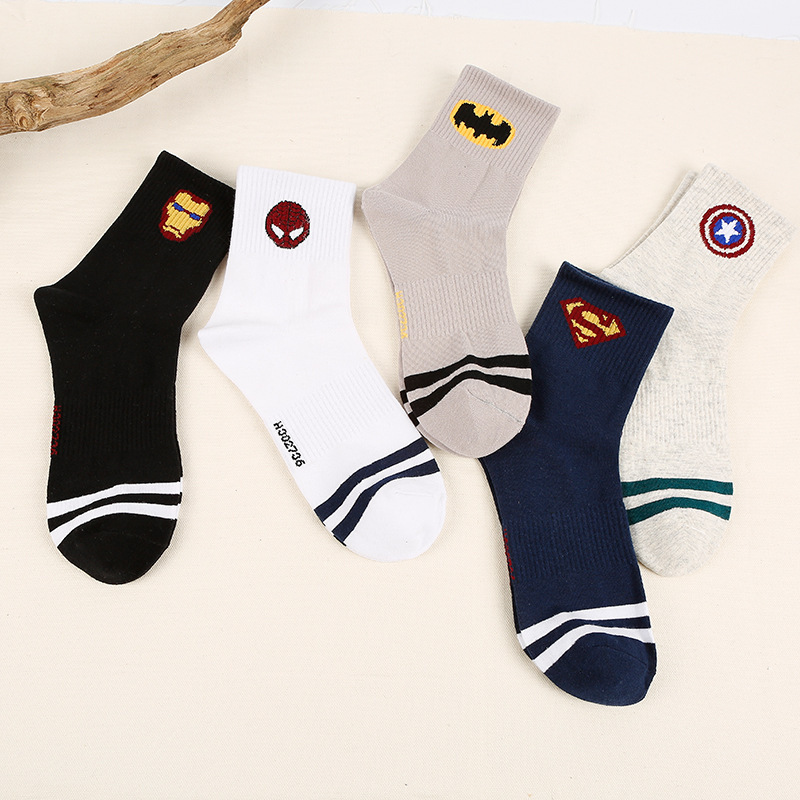 2019 New Comics Heroes General Socks Cartoon High Temperature Stitching Pattern Casual Mens Socks Hot Sale