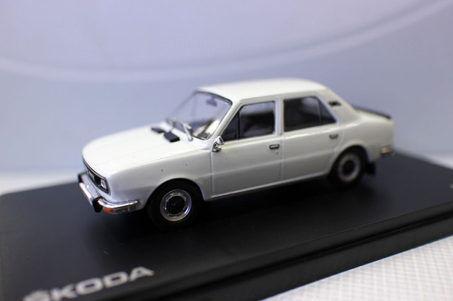 Abrex 1:43 Scale Model Car Skoda 120L for collection gift