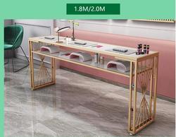 صافي الأحمر الطاغية الذهب مانيكير مجموعة مقاعد الطاولة واحدة مزدوجة بسيطة الحديثة الجمال متجر الأوروبي الماس طاولة مانيكير