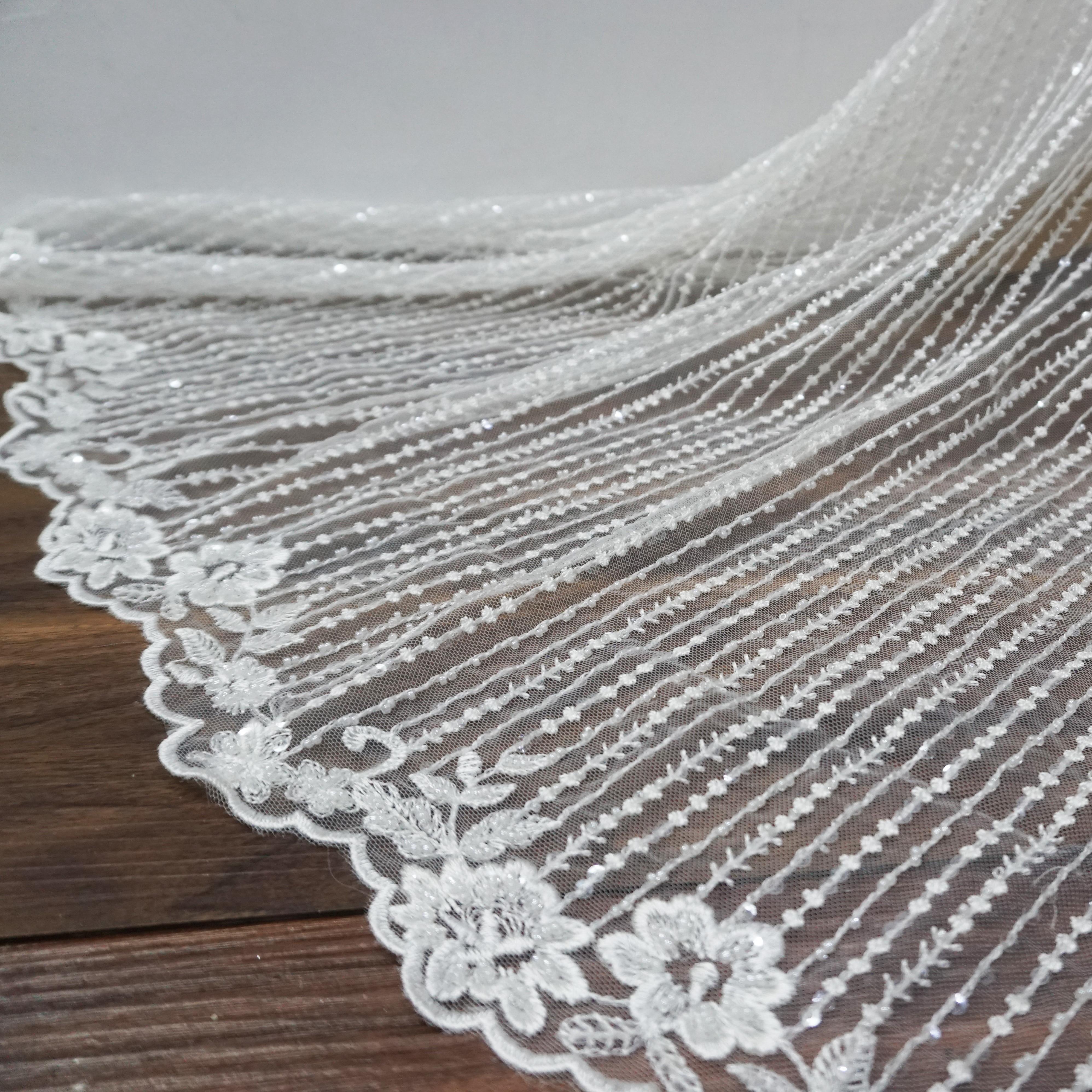 Dentelle de mariage ivoire tissu rayure design perles dentelle! 2019 nouvelles femmes patchwork couture dentelle pour robes! Dentelle continue de 1 yard