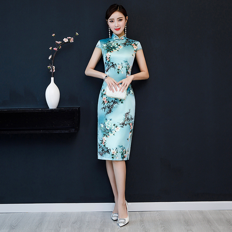 Women New Short Cheongsam Embroidery Dress Vintage Chinese Style Party Evening Dress Oriental Womens Elegant Qipao Oversized 5XL