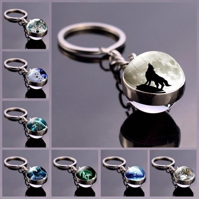 Wolf and Moon Keychain Glass Ball Pendant Crystal Ball Jewelry Fashion Wolf Head Sphere Keyring Animal Key Chain Men Women Gift