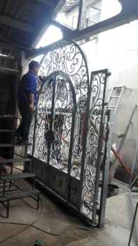Shanghai Hench Brand China Factory 100% Custom Made Sale Australia Iron Metal Doors