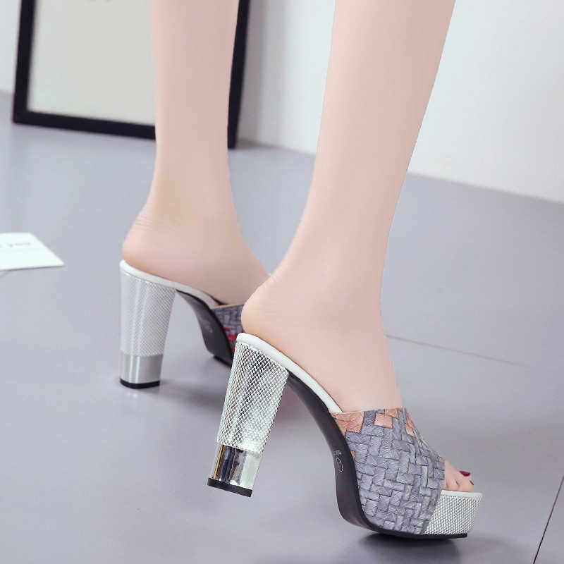 2020 neue Frauen Sommer Hausschuhe Mode Sexy Pu Leder Super Platz High Heels Peep Toe Party Schuhe Frau Plattform Sandalen