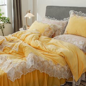 Księżniczka pełne komplety pościeli z miękkiego aksamitu zestawy kołder europejski zestaw poszewek z koronką królowa duży rozmiar łóżko-zestaw żółty biały tanie i dobre opinie rzcortinas Brak Arkusz Zestawy Kołdrę poszewka CN (pochodzenie) Tkanina polarowa 1 0 m (3 3 stóp) 1 2 m (4 stóp)