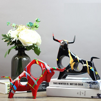 Creative Resin Cow Bull Statue Vintage Abstract Art Ox Resin Crafts Room Decoration Bar Cattle Animal Decorations For Home R3916