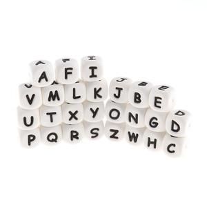 Image 2 - 500PCS Brief 12mm Silikon Zahnen Alphabet Perlen Cube Bpa Frei Baby Mundpflege Halskette Armband Zubehör Beißring Fütterung