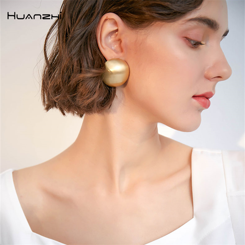 HUANZHI New 2019 Fashion Stereoscopic Geometric Half Sphere Gold Matte Metal Big Stud Earrings For Women Girls Party Accessories