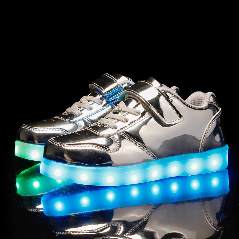 2019 New Silver Glowing Sneakers Kids Led Shoes Glowing Sneakers For Girls Illuminated Sneakers USB Charging Luminous Sneakers