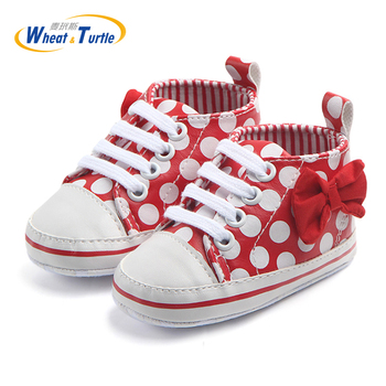 Mother Kids Polka Dots Autumn Spring Lace-Up Eyelet And Bow Decorated Unisex Newborn Baby Shoes Non-Slip First Walkers Sneakers eyelet lace up staggered jumper