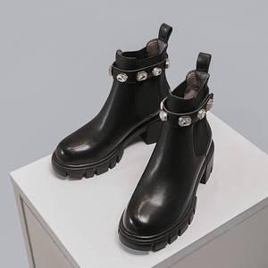 Image 3 - Krazingポットファッション光沢のあるクリスタルバックル本革ラウンドトウハイヒールビューティーレディ冬固体暖かいアンクルブーツL8f1