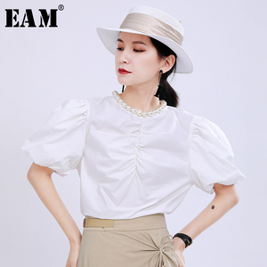 [EAM] Women White Pleated Pearl Temperament Blouse New Round Neck Short Sleeve Loose Shirt Fashion Spring Summer 2020 1U842