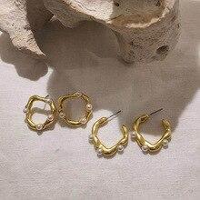 S925 pasador de plata barroco exagerado Irregular Metal ondulado chica pendientes moda Simple mate metálico perla mujer joyería regalo