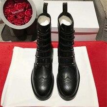 Ботинки из натуральной кожи; женские ботинки на шнуровке; ботильоны с круглым носком на каблуке; сезон осень-зима; Черные полусапожки; модная обувь с вышивкой