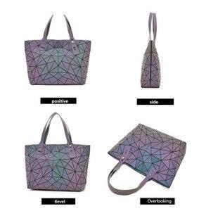 Image 4 - Big Crossbodyกระเป๋าสำหรับผู้หญิงกระเป๋าแฟชั่นชุดและกระเป๋าถือสีส่องสว่างDesigner Totes Holographic Bolsas