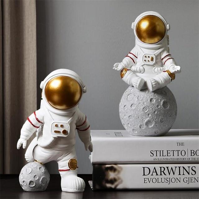 European Astronaut Statue Home Character Sculpture Cosmonaut Hero Office Decor Miniatures Model Creative Figure Figurines Crafts 2