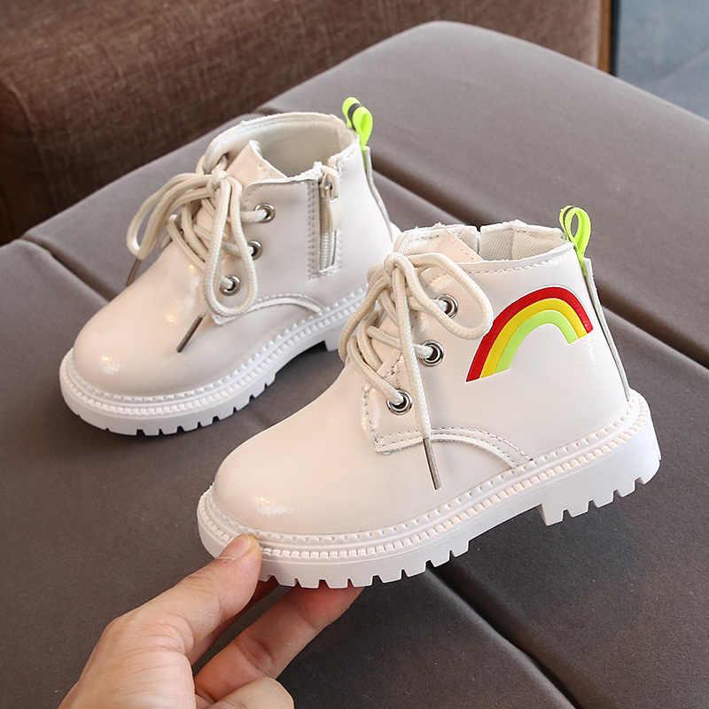 Зимняя обувь для детей; Водонепроницаемые кожаные ботинки для девочек; модные ботинки для мальчиков с радужным принтом; нескользящая детская обувь для малышей