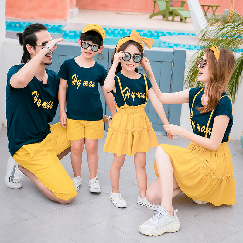 Summer Family Matching Outfits Mother Daughter Dresses Dad and Son Matching T-shirt &Shorts Matching Couple Outfits Family Set