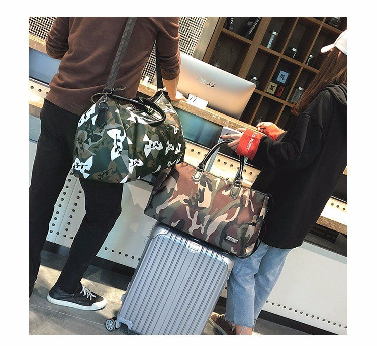 Camouflage Travel Bag Large Capacity Short Travel Bag Female Handbag Male Light Simple Luggage Bag Shoulder Bag Free Shipping