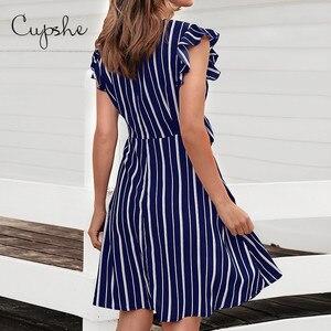 Image 2 - Cupshe 여성 브이 넥 프릴 드레스 2019 뉴 비치 여름 슬림 스트라이프 프린트 sundresss 프론트 매듭 vestido