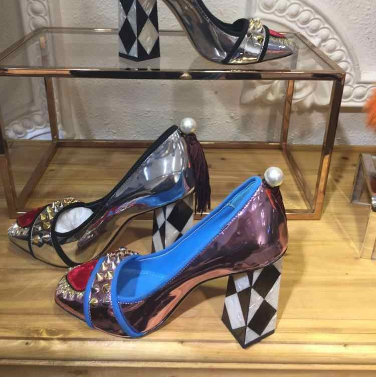 Escarpins Chic femmes cuir talons hauts chaussures femme luxe sans lacet Buty Damskie Rivets parti dames chaussures Shiallow Zapatos De Mujer
