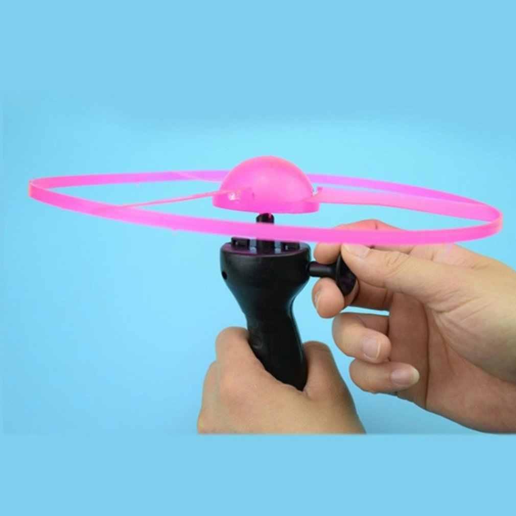 Lustige Spinning Flyer Luminous Fliegende Ufo Led Licht Griff Flash Fliegende Spielzeug Für Kinder Im Freien Spiel Farbe Zufällig