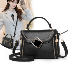 цена на 2020 new louis Women Purses And Handbags Luxury Crossbody Sling Bags With Lock Decors Totes Lady Trendy Shoulder Messenger Bag