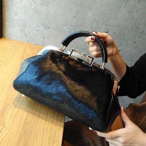 Image 1 - [Telastar] 2019 حصان الكتف امرأة حقيبة مزاجه المحمولة بوسطن محفظة حقيبة بإطار جلد طبيعي و الفراء الشتاء حقيبة يد