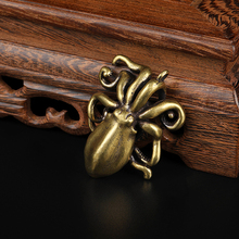 Octopus Figurines Lucky Ornaments Solid Brass Marine Animal Miniatures Squid Decorations Accessories Vintage Keychains Pendants