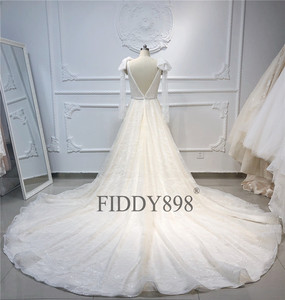 Image 4 - Lüks gelinlik 2020 V boyun şal boncuklu dantel gelinlik uzun tren şampanya gelin kıyafeti Robe de Mariee casamento