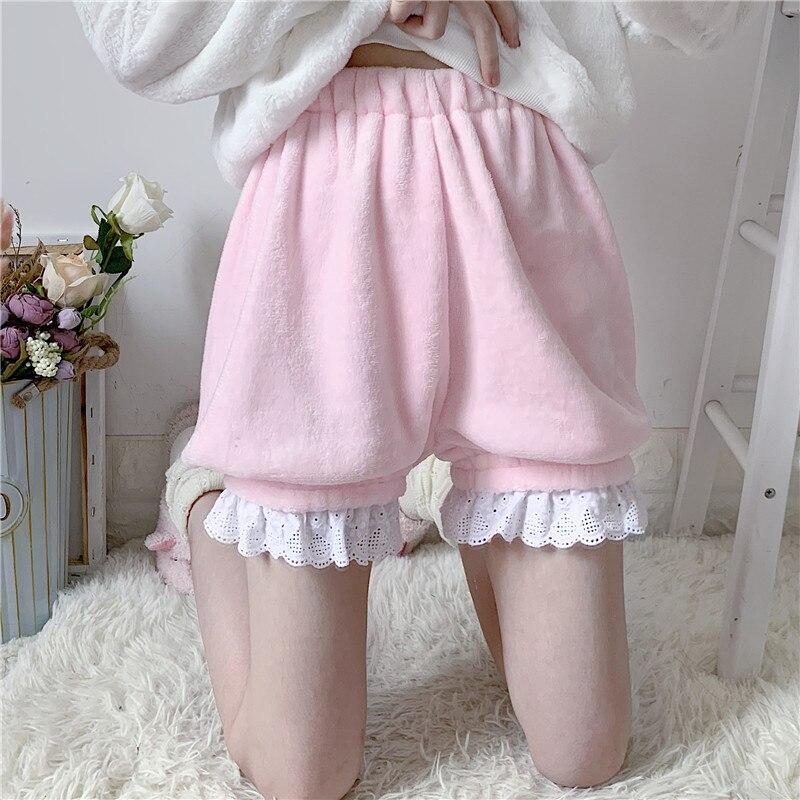Winter Cute Lolita Girls Warm Velvet Shorts Sweet High Waist Lace Women's Plush Shorts Summer Kawaii Bloomers Shorts Pink White