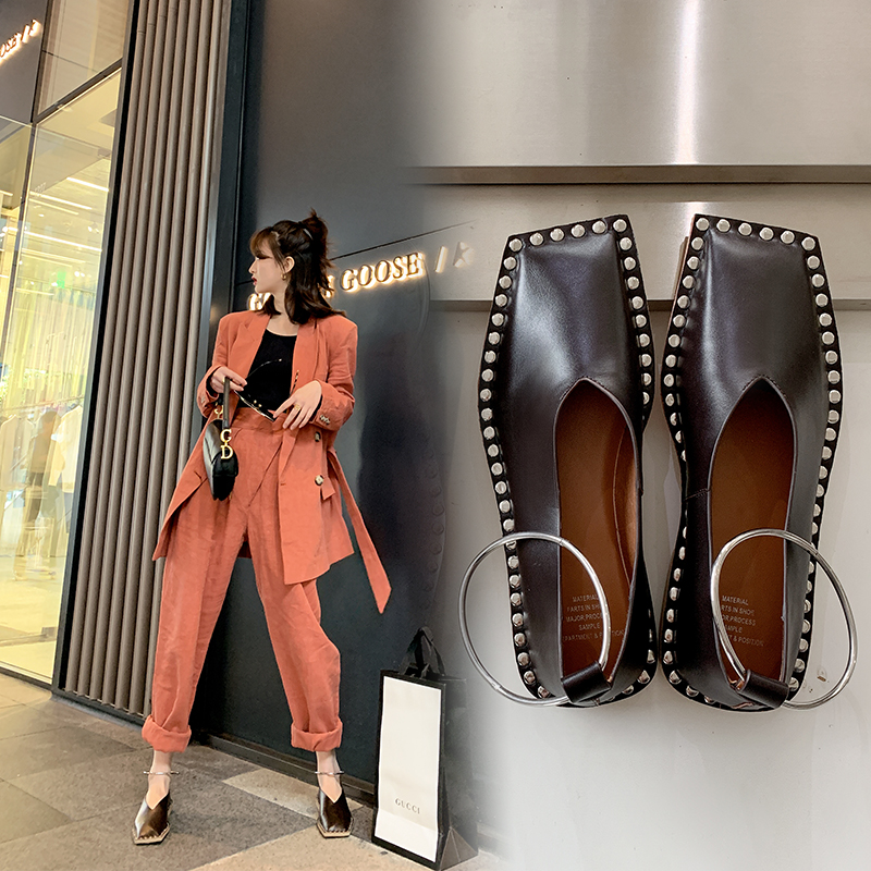 INS Hot Women Pumps Genuine Leather Shoes 22-25cm Length Fashion Personality Square Head Rivets Shoes Woman Handicraft