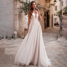 Свадебное платье из фатина свадебное с v образным вырезом и