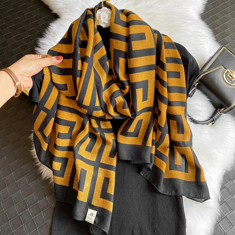 Luxury Brand 2021 Women Cotton Scarf Large Shawls Pashmina Hijab Foulard Echarpe Print Lady Beach Stole Head Scarves