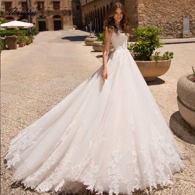 Alonlivn Elegant Appliques Tulle A Line ชุดเจ้าสาวสั้นแขน Court รถไฟ O Neck Gowns แต่งงาน