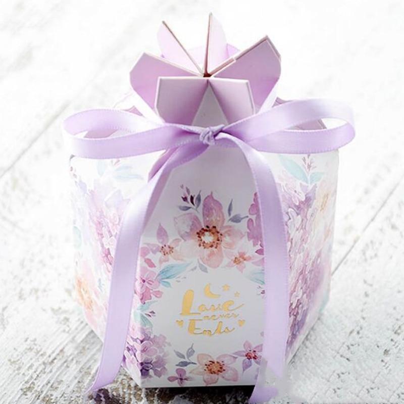 Nuovo 50pcs FAI DA TE Europea caramella di cerimonia nuziale casella di acquerello piccolo fresco contenitore di caramella viola caramella di cerimonia nuziale della caramella del sacchetto di imballaggi di carta box